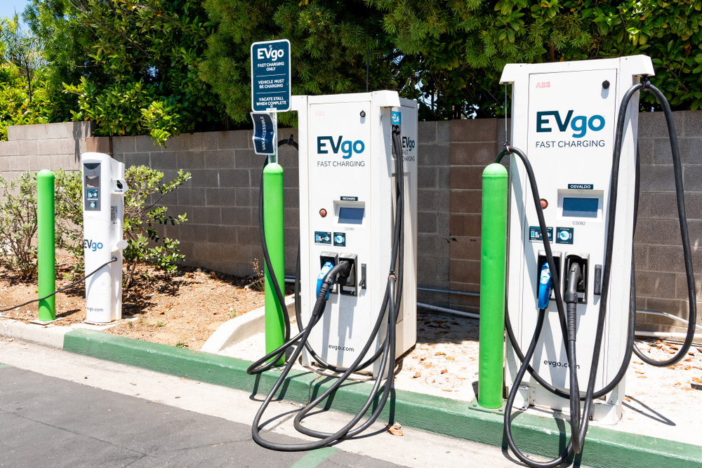 Level 1 vs. Level 2 Electric Vehicle Charging Stations